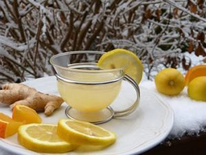 Read more about the article Lemon – Essential Oil of the Month